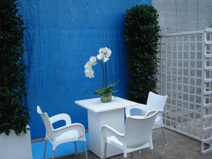 Foto van Witte zithoek met 4 stoelen