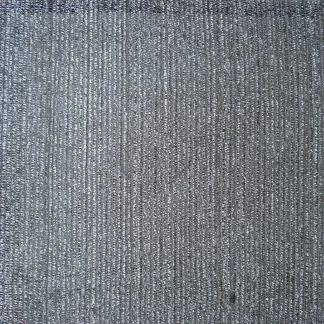 Foto van Zilverkleurig schermdoek met pijp en statieven